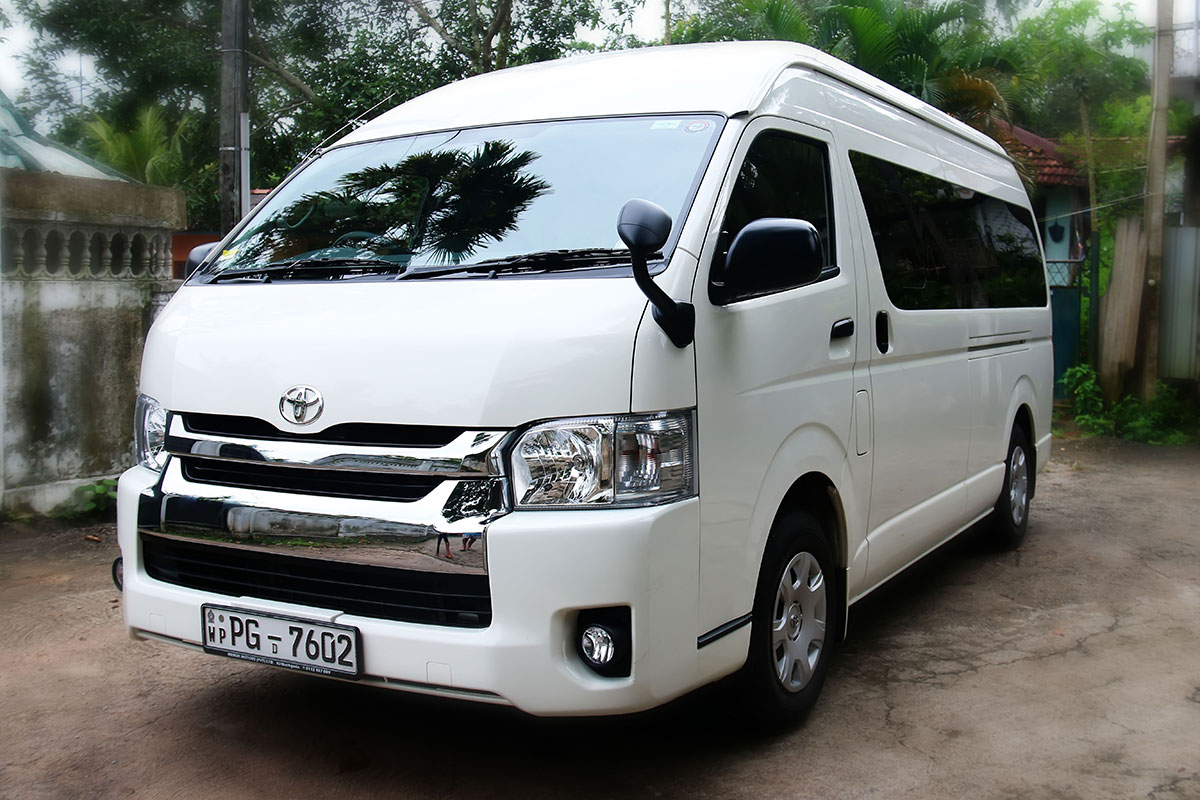 Toyota Kdh Van For Hire In Kiribathgoda Traveller Sri