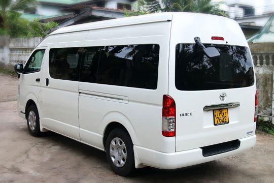 Toyota KDH batalanda
