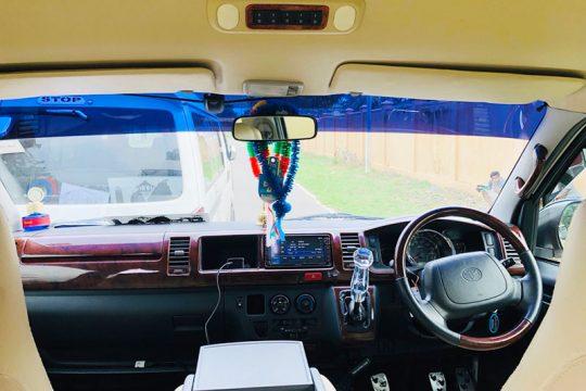 Toyota KDH Van for Hire in Wadduwa